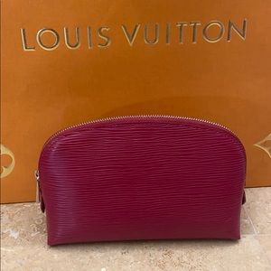 Louis Vuitton,Cosmetic Pouch Epi Leather.